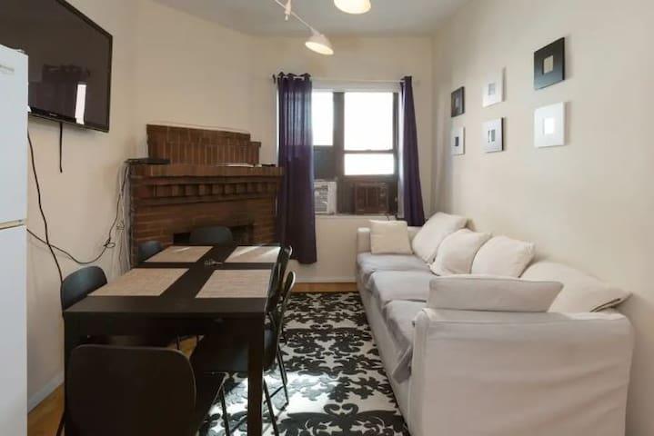 Bright Chelsea Entire 2 Bedroom Apartment