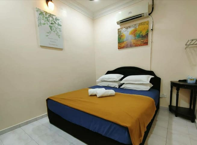 Bilik Tidur 2 , Aircon, Almari Baju.
