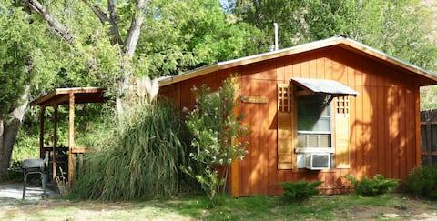 Cozy Hideout Cabin, Most Remote Cabin