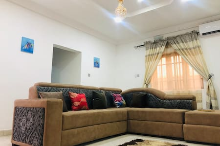 Serene, Private & Comfortable 1-bedroom Apt.