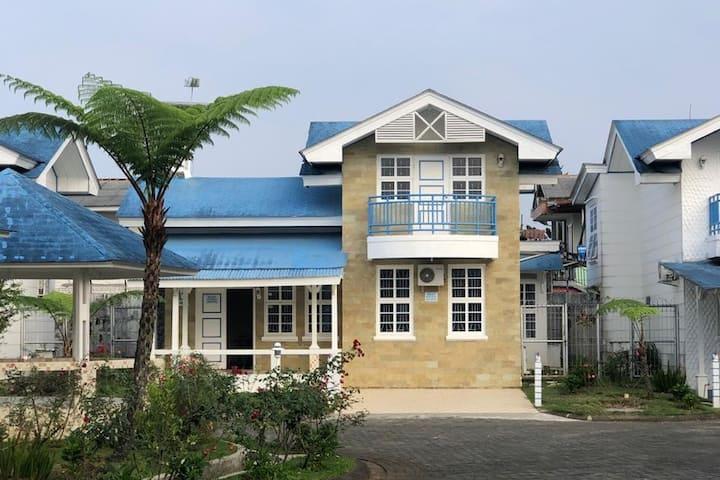 Vila Kota Bunga Cipanas: nyaman dan kamar luas...