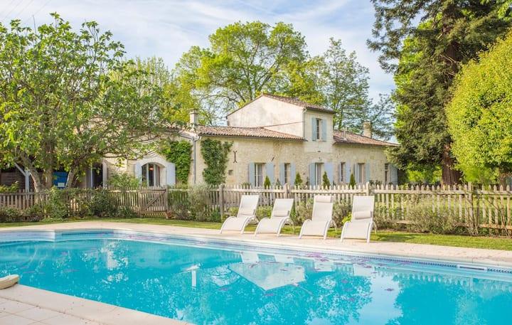 Villa Du Fleuve at Nouvelle-Aquitaine