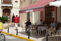Alcalali has a good selection of small bars and a cafe's. Most of which are based around the villages main square. There is also plenty of choice of restaurants around the edge of the village and in the neighbouring villages or Jalon and Parcent.