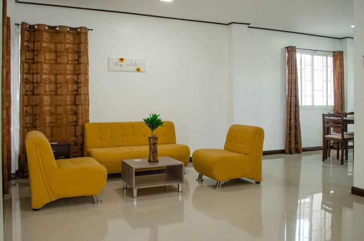 All rooms in the house are fully air conditioned. Living area has Netflix TV and Wifi,