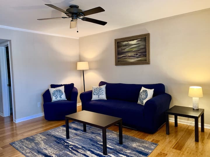 Little Bay Hideaway - 6  (Monthly Rentals Available)