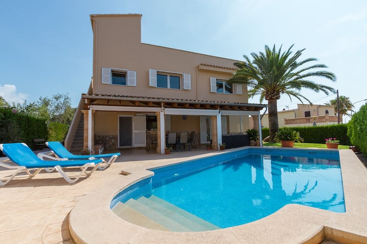 Alzina Villa for 9 with pool in Cala Millor