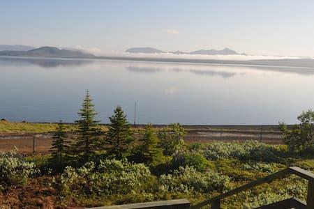 Beautiful location by the lake Thingvallavatn - 辛格韋德利(Thingvellir)