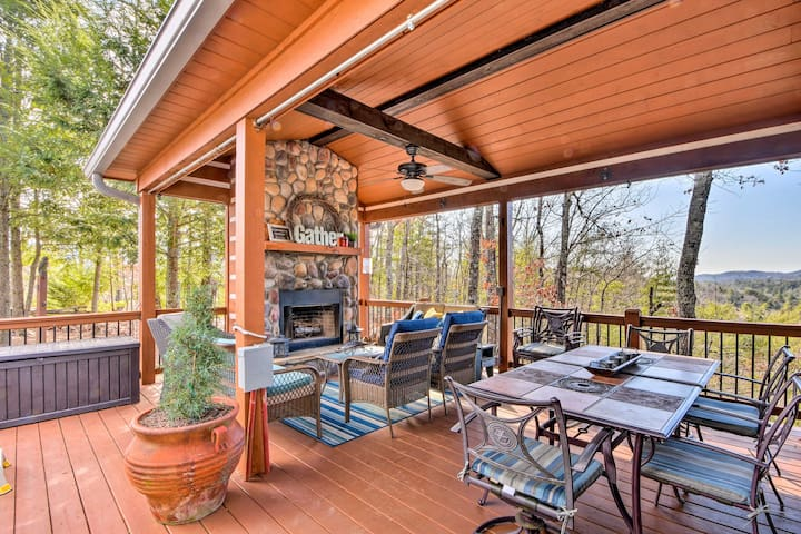 Cherry Log Mountain Cabin: Hot Tub,Fire Pit + More