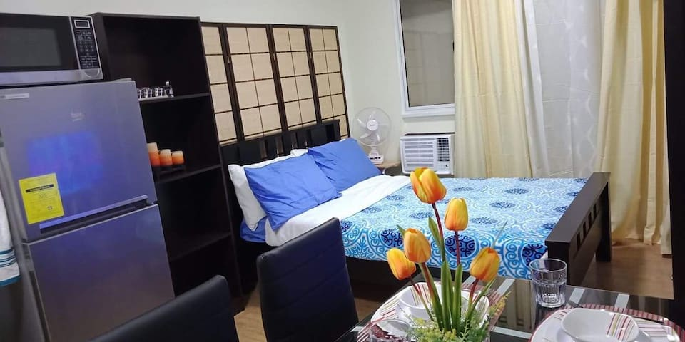 Fully furnished studio unit at San Remo Oasis