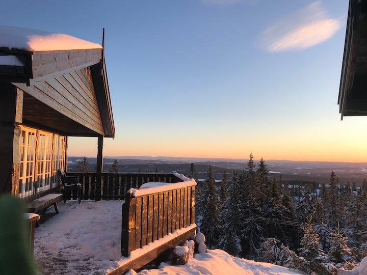 Nice cabin at Sjusjøen with great views