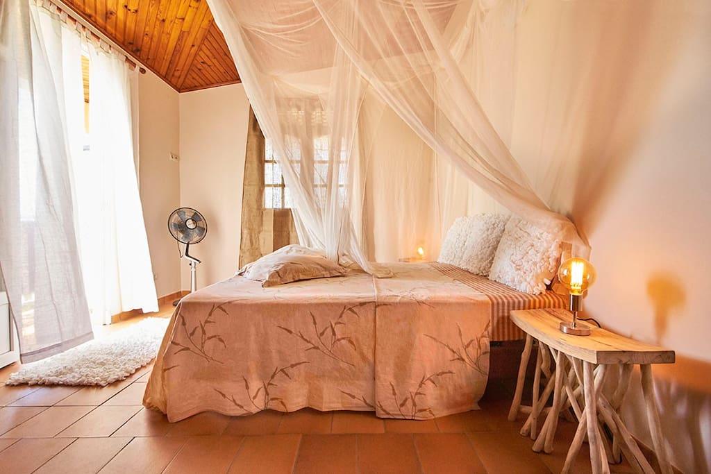 Chambre avec balcon privé vue imprenable sur mer