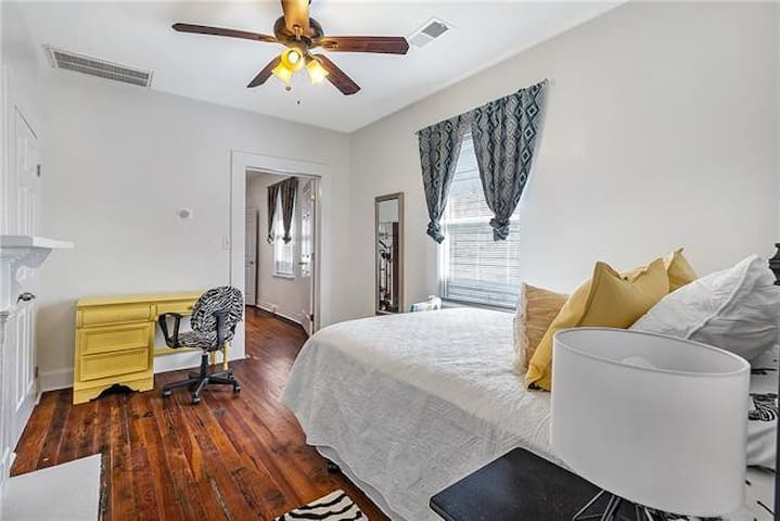 Tasteful New Orleans Home 8 Mins to French Quarter