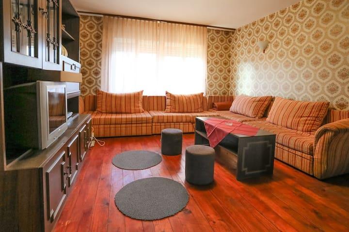 Dragan's Den 8 Bed Female Dorm #2