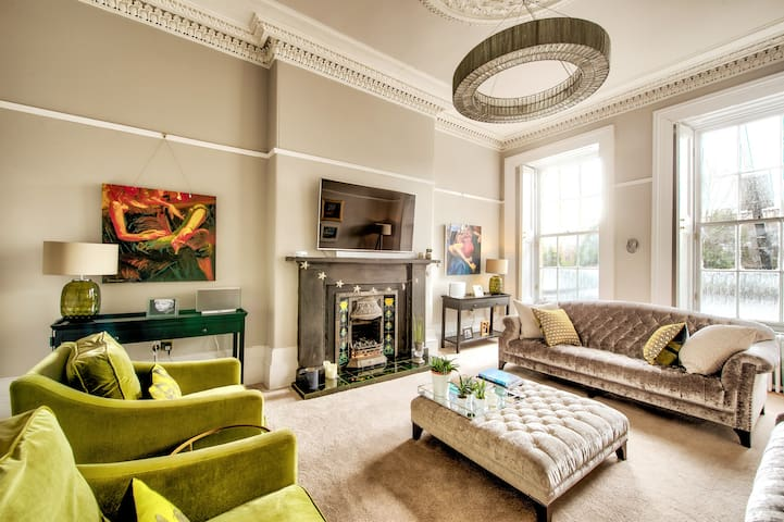 Stunning Finnieston Flat with period features