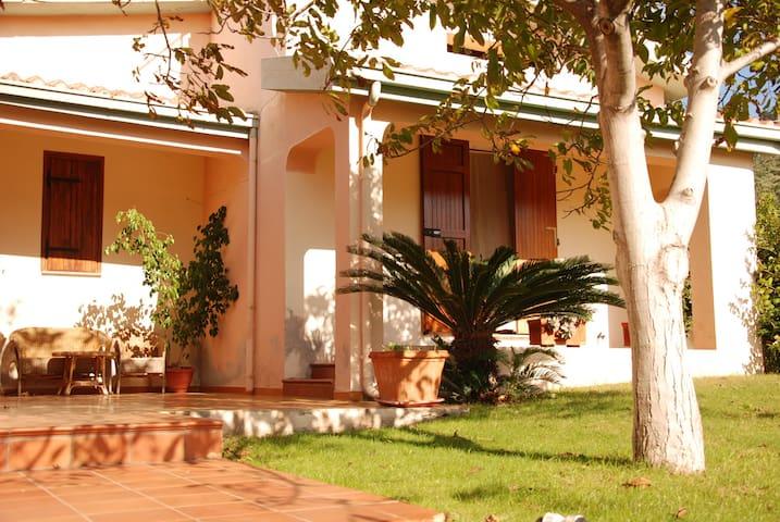 Villa Galtellì a 7 km dal Mare del Golfo di Orosei - Galtellì