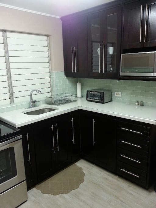 All stainless steel appliances, pots, pans & all utensil