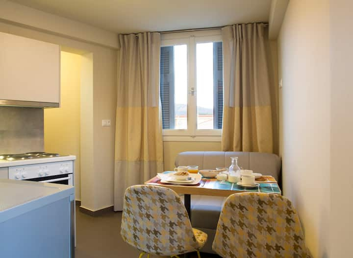 Athena Hotel - Deluxe Triple Room