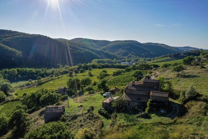 Farmhouse in Chianti Heart with private lake