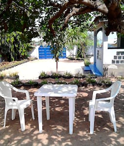 QUIET PLACE! Near to airport, Osu, beaches & city. - Accra - บ้าน