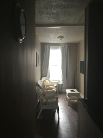Quirky Upper 2 Bedroom Apartment - Downtown Ott! - Ottawa - Appartement