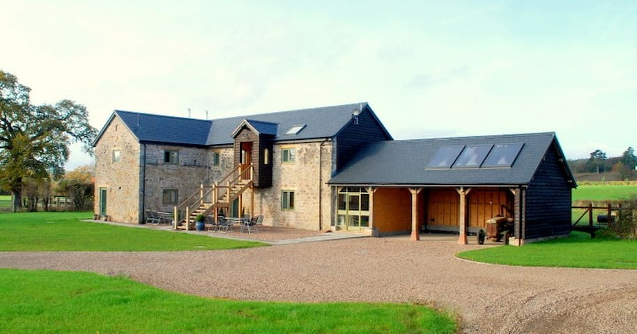 Le- Gro Luxury Barns.