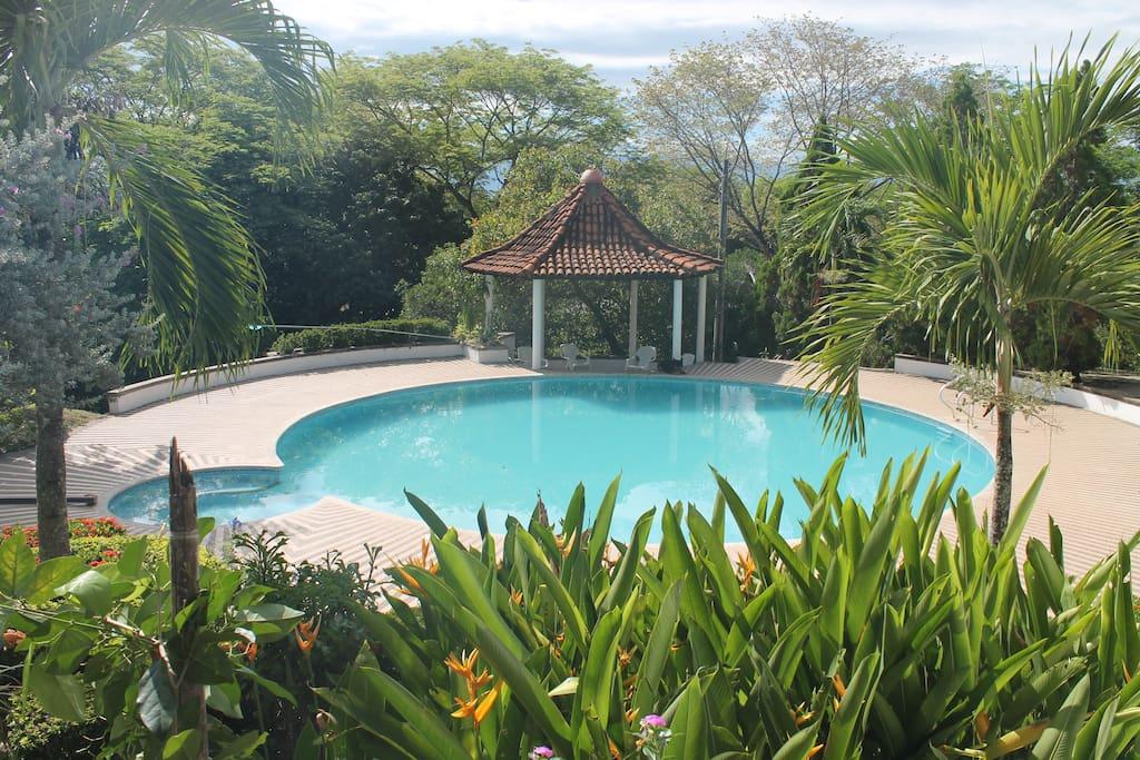 Casa campestre con piscina privada casas de campo en for Casa de campo con piscina privada
