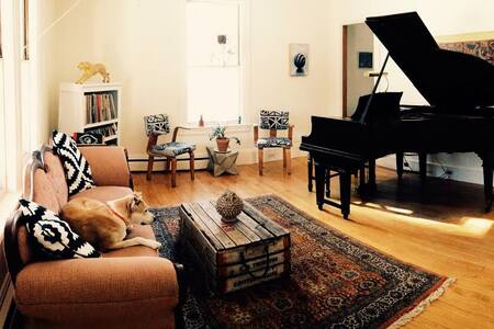 Rustic Manset Artist's Home