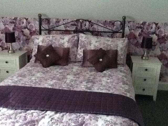 Home Sweet Home Bed and Breakfast. - Coleraine - Wikt i opierunek