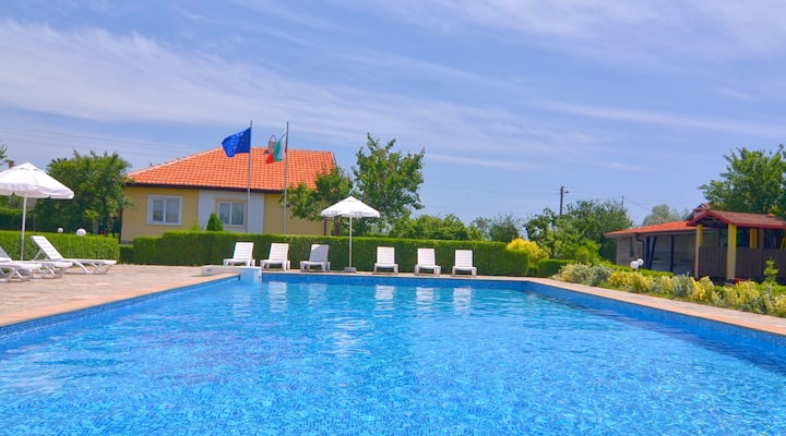 Villa Amber with Pool - Sunny beach Area