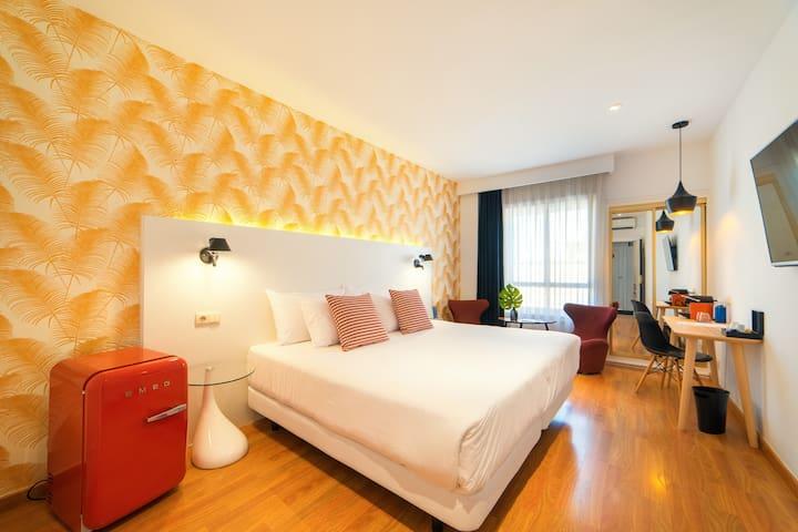 Habitación deluxe doble estándar en Hotel Cetina Murcia
