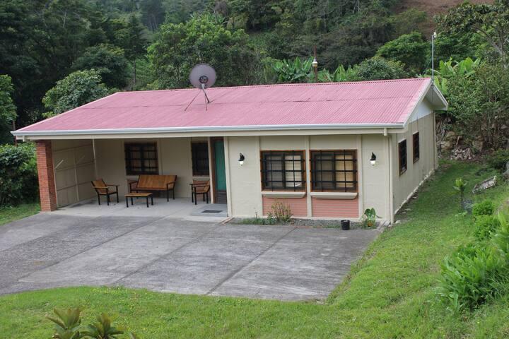 Coffee plantation farm house Valley views WiFi.