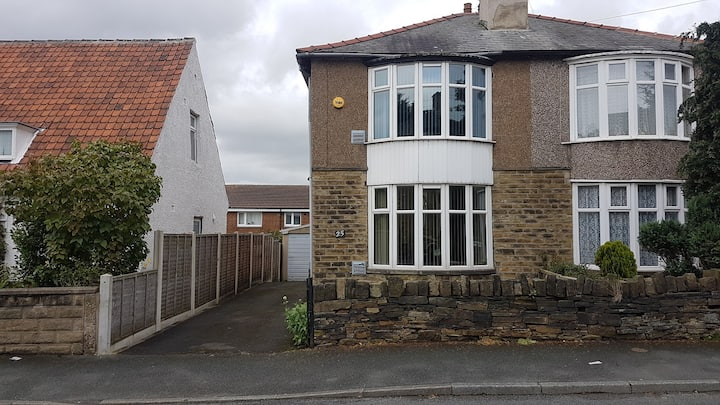 Entire house, near M62 and local amenities