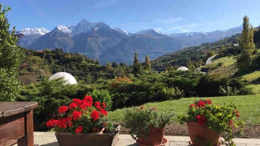 Delizioso appartamento nel verde🌲🌲a 10 min Aosta