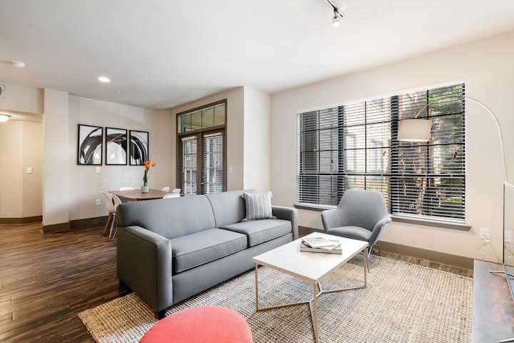 Kasa   Houston   Modern 2BD/2BA Uptown Apartment
