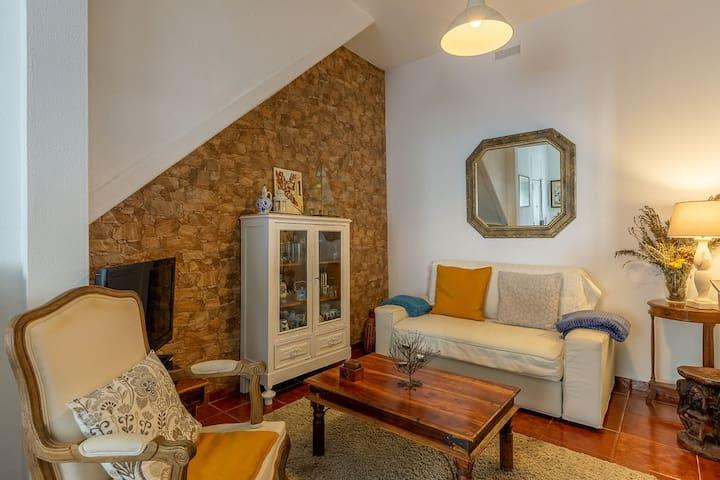 Romy House// Village in Graça