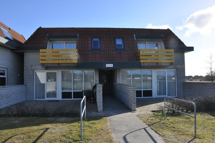 Well-kept apartment, not far from the beach and sea on Texel