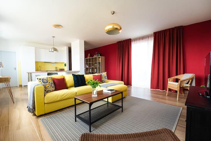 Quiet & Stylish 3 room flat near center of Nitra