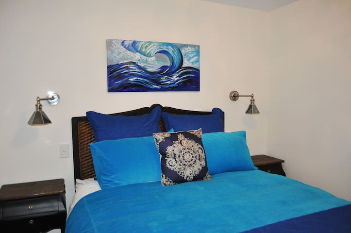 Quality queen bed at Seahorse Retreat.