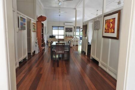 Tropical heritage house near CBD - 1 or 2 bedrooms - Larrakeyah - Hus