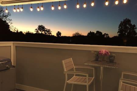 Lounge Modern | Ultra Clean