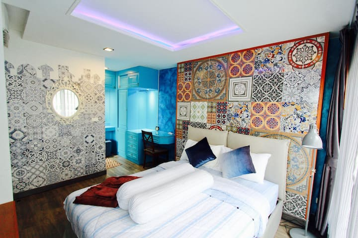 Moroccan Style Room@Ultimate Seasons Park Condo