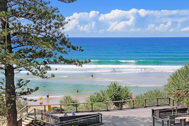 Coolum Ocean Front Poolside Apartment -Baywatch 04