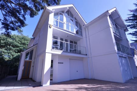 1 Westpoint - Poole - Townhouse