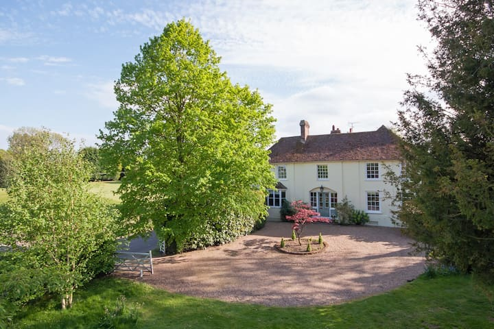*Retreat to Dadmans for country house comforts.* - Lynsted - Bed & Breakfast