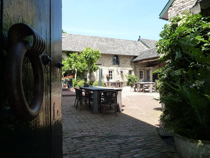 Cosy apartment in medieval farm near Aachen