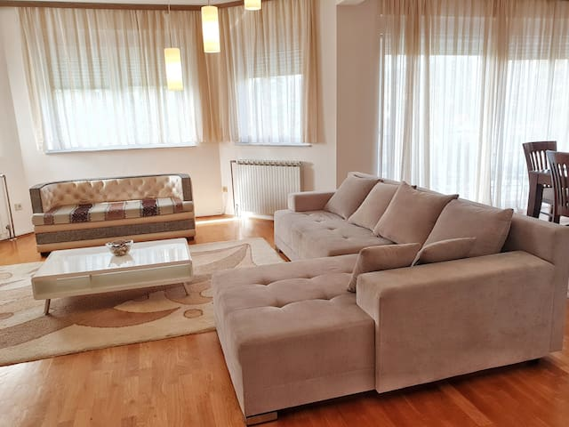Exclusive 150 m2 apartment for 6 persons