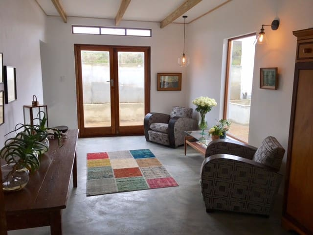 A Modern Farmhouse Villa in the Hermanus Winelands
