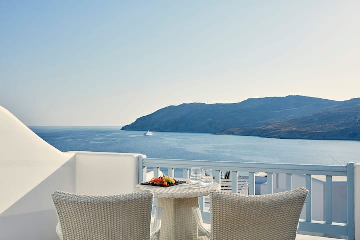GRARCMY201-1 Premium Double Room with Sea View