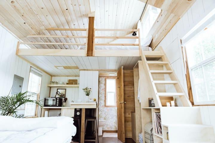 Sixty Chapel's Modern Cabin #23