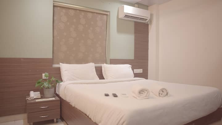 Budget Stay in Kondapur, Near KIMS Hospital